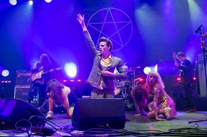 Foxygen avec Sam France le 15 août 2015 à Helsinki, Finlande.