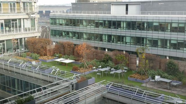Terrasse du siège social d'Accenture à Paris