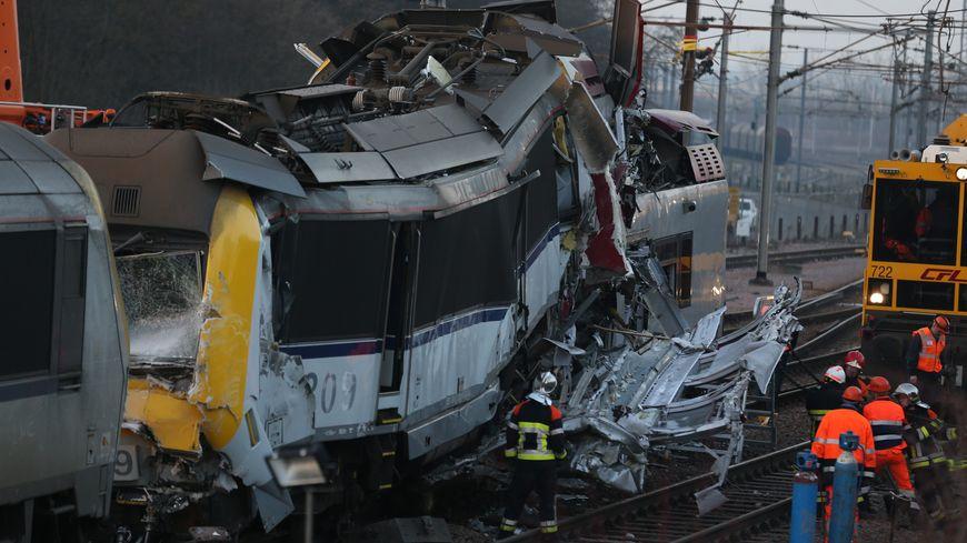 L'accident de train a fait un mort et deux blessés.