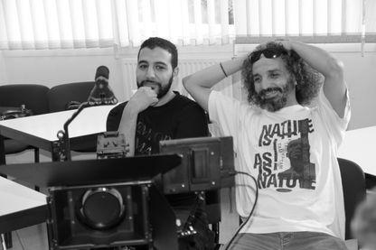 """Rachid Akiyahou, réalisateur (à gauche) et Saïd Bahij, réalisateur, dialoguiste et metteur en scène (à droite) du film """"Ils l'ont fait"""""""
