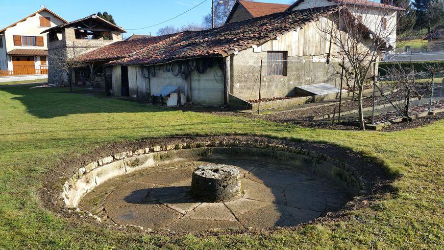 Tuilerie Bertrand - bassin dans lequel on malaxait (manuellement) l'argile pour la fabrication de tuiles