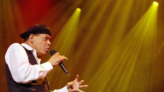 Al Jarreau, en 2007 lors d'un concert à l'Auditorium Stravinski du Montreux Jazz Festival