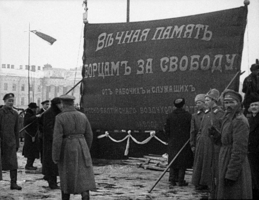 Marche à Petrograd en mémoire des victimes de la Révolution de 1917