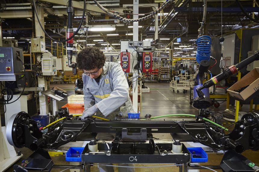 La fabrication des chassis à l'usine Renault du Mans