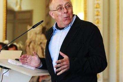 Jean-Pierre Le Goff lors de la remise du Prix Montaigne à Bordeaux en 2013