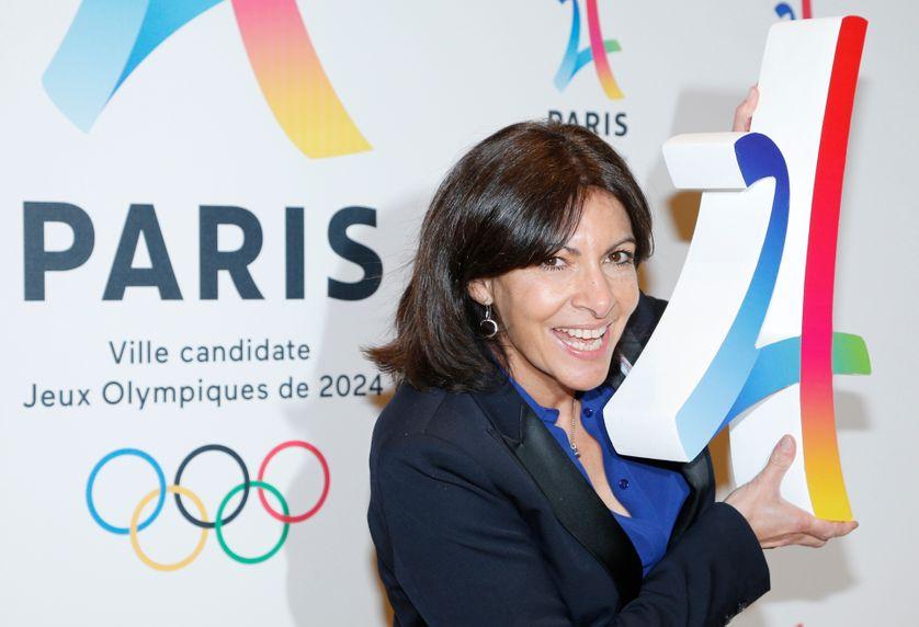 Anne Hidalgo, maire de Paris, lors d'une conférence de presse le 17 février 2016
