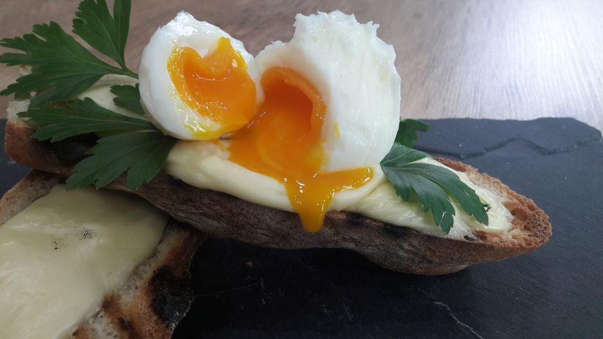 Les recettes de Thomas Clament - Les tartines oeufs mollets béchamel
