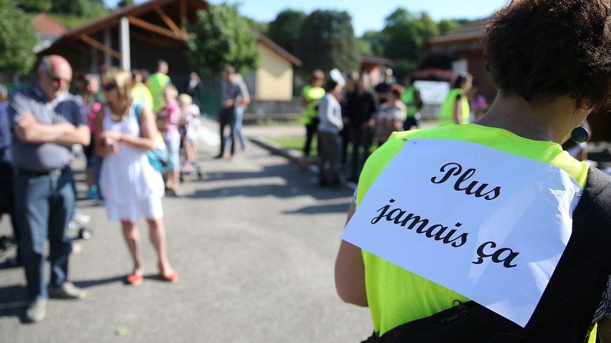 Après l'affaire de l'école de Villefontaine, en Isère, les parents avaient manifesté et une loi a été mise en place.