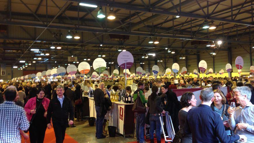 Consommateurs et producteurs se retrouvent au salon des for Porte de champerret salon des vignerons