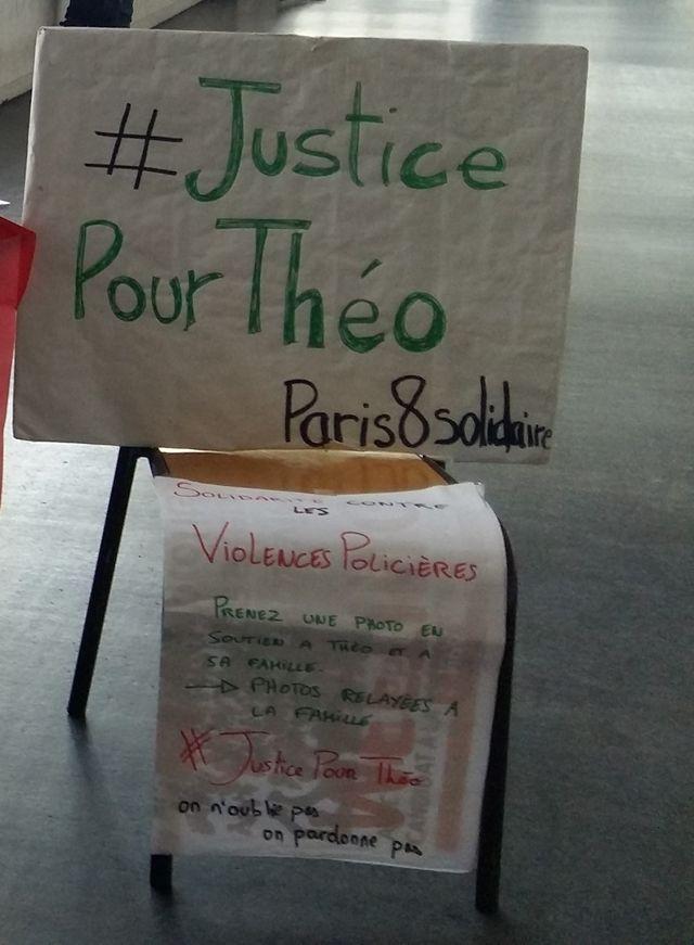 Affiche en soutien à Théo à l'université Paris 8.