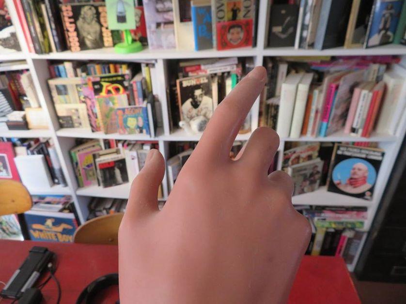 Une main, chez Bertrand Mandico