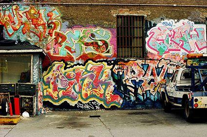 PETITE 2-streetgenerations-1980s-New-York-Graffiti