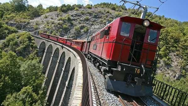 Le petit train de La Mure, en marche avant l'éboulement de 2010