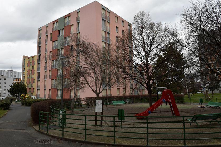 Un immeuble à Clermont-Ferrand où a été arrêté un homme soupçonné de projeter un attentat