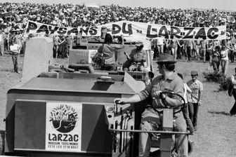 Lutte des paysans contre le camp militaire Larzac, manifestation.