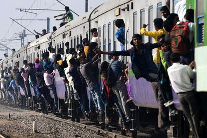 Arrivée d'un train à New Delhi