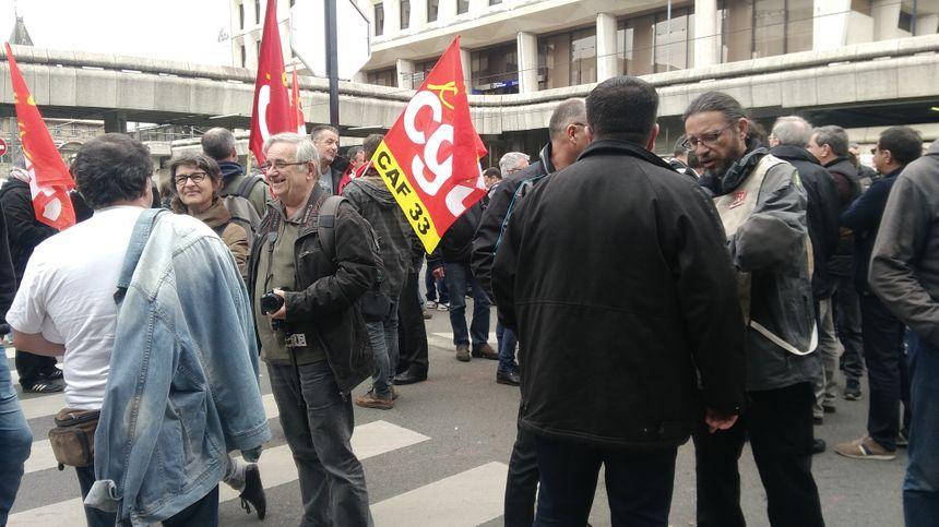 Rassemblement des salariés de Ford près de la préfecture