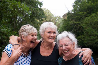 Dans 50 ans, la France pourrait compter 200 000 centenaires selon l'Insee