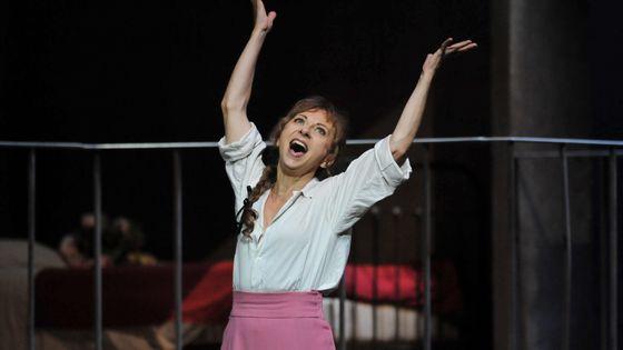 """Natalie Dessay, que le concours a révélé, est la marraine de cette quatrième édition. Ici, à Toulouse, pour la répétition générale de l'opéra """"Manon"""" de Jules Massenet"""
