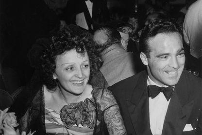 Edith Piaf et Marcel Cerdan lors d'un dîner à New York le 22 septembre 1940