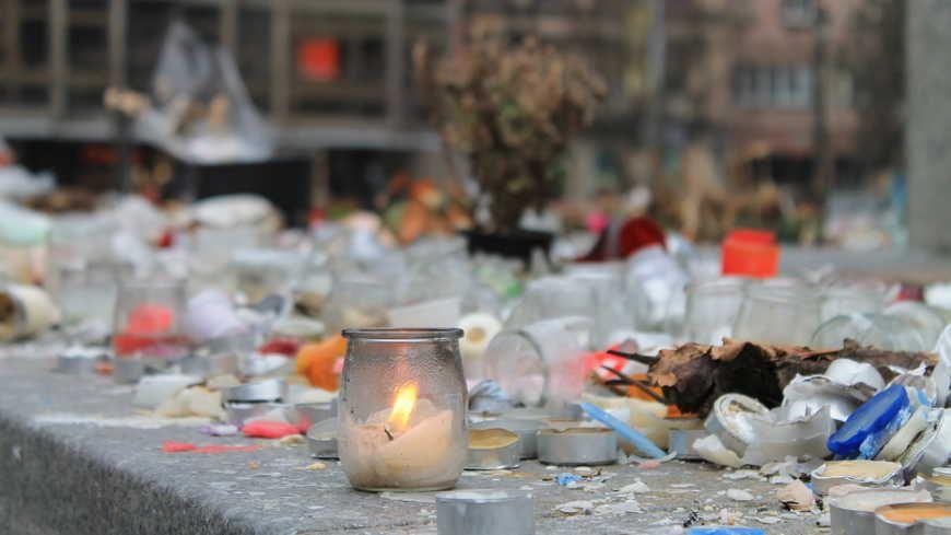 Des hommages avaient été déposés place Kléber à Strasbourg en hommage aux victimes des attentats