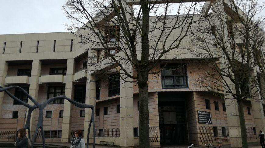 La cité judiciaire de Dijon