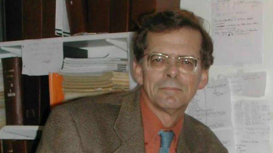 Les experts: Serge Maitre, pdt de l'Association Française des Usagers des Banques, vous répond sur France Bleu Azur
