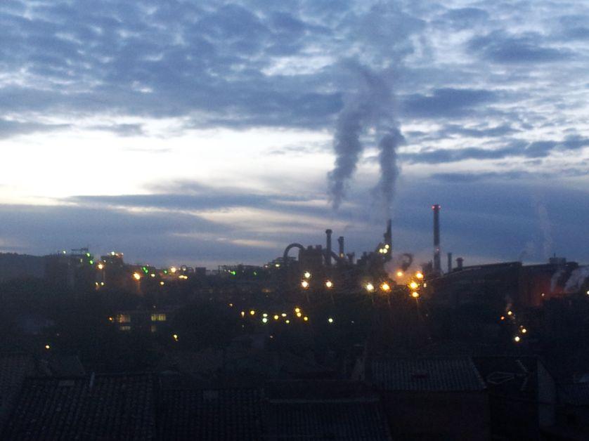Gardanne, la nuit