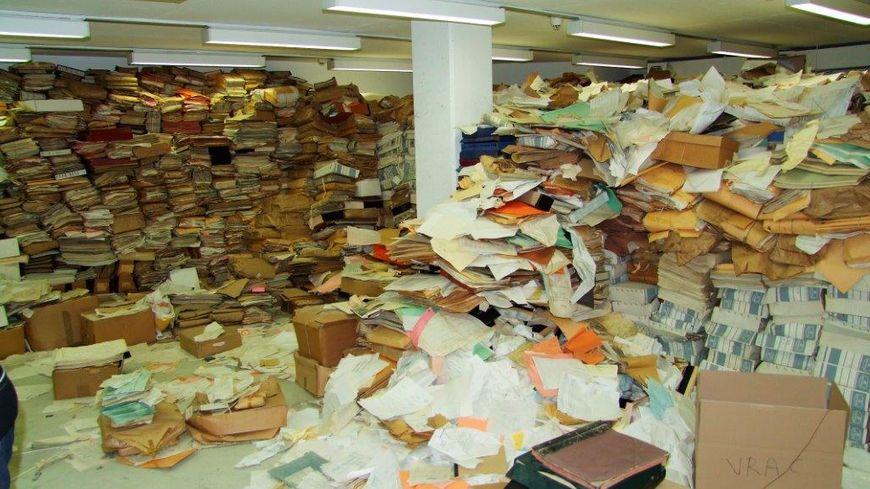 De 1986 à 2009, ce vrac d'archives a attendu le tri minutieux des historiens.