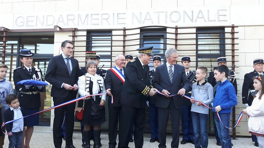 Inauguration de la nouvelle brigade de gendarmerie de - Nouvelle grille indiciaire gendarmerie ...