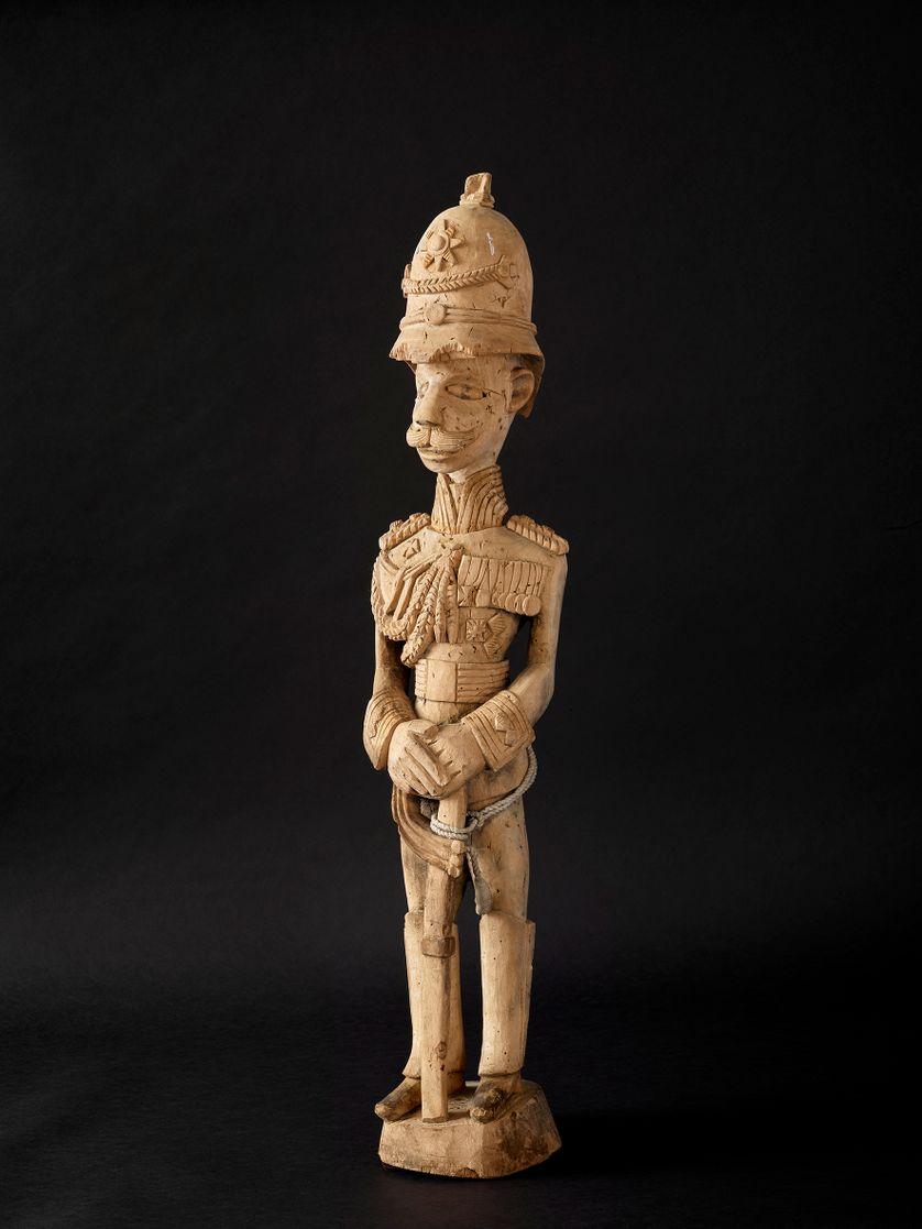 Statuette Africaine du colon allemand