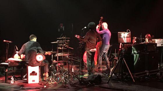 Avishai Cohen sur la scène de A Vaulx Jazz le 22 mars 2017
