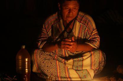 Un chaman en Amazonie