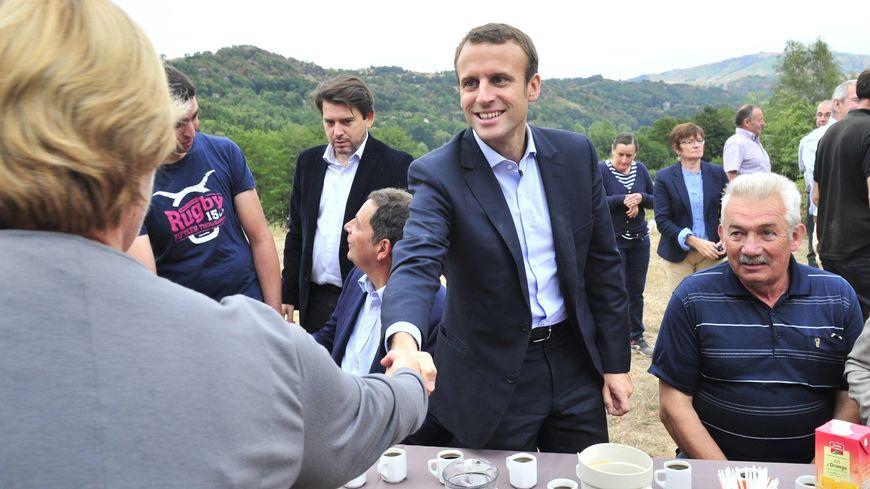 Emmanuel Macron en visite dans le Cantal en septembre dernier, une visite utile pour convaincre des élus