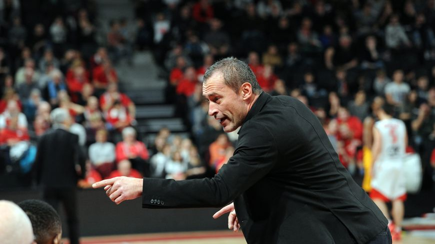 Olivier Bourgain ici dans le rôle de l'entraîneur du SOMB face à Bourg en Bresse en Pro B