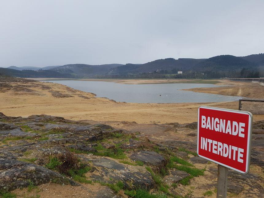 Pour l'heure, seul un tiers du lac de Saint-Ferréol est rempli, ça sent (presque) l'été.