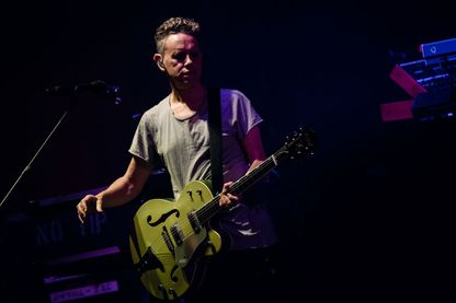 """Martin Gore sur scène à Berlin le 17 mars 2017 à l'occasion de la sortie du 14e album de Depeche Mode, """"Spirit"""""""