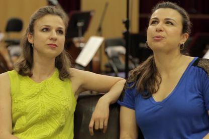 Capture écran de la vidéo de présentation de leur CD dans lequel elles jouent Bach