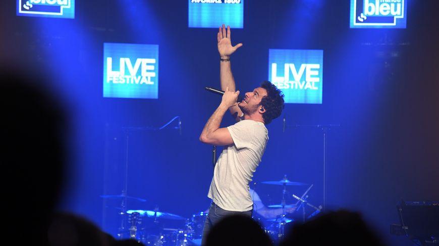Amir au France Bleu Live Festival à Avoriaz