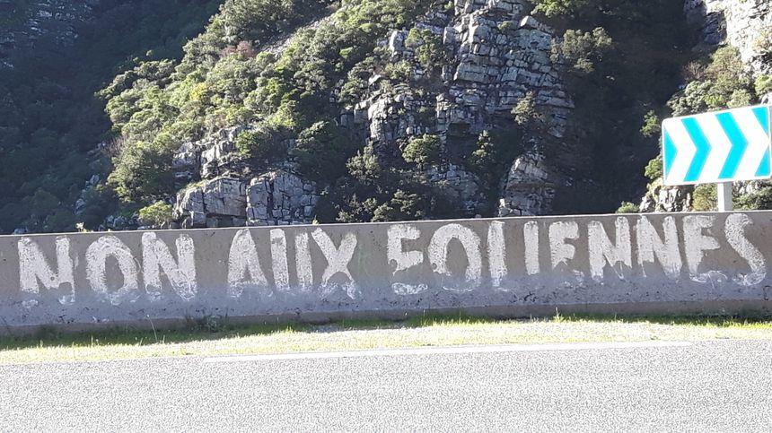 La colère des anti-éoliens s'affiche sur les routes des Hauts Cantons de l'Hérault