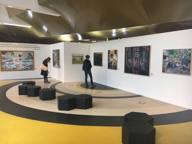 Vue de l'installation des Paradis au Centre Assas