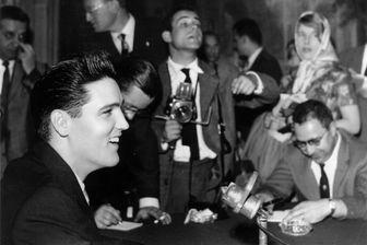 Elvis Presley en conférence de presse à Paris, 18 juin 1959