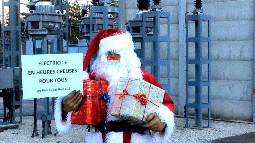 Les Robins des Bois de la CGT jouent au Père Noël avec des compteurs en heures creuses