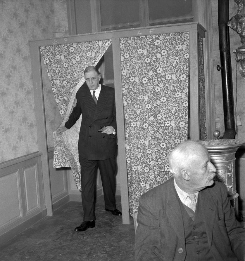 Isoloir à Colombey-les -deux-Eglises, 30/11/1958
