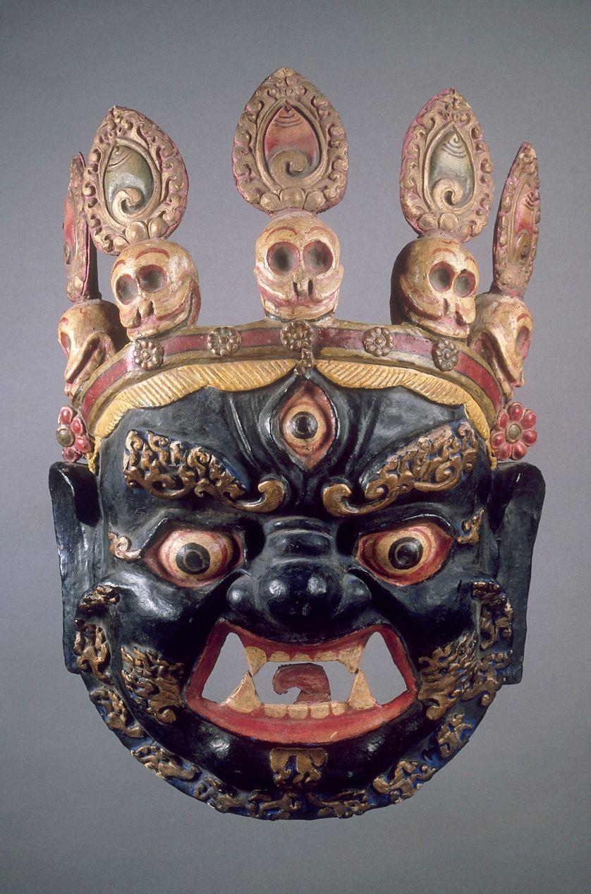 Masque de danse cham Tibet, fin du XIXe siècle, carton moulé et peint, H. 51 cm, l. 34 cm, Pr. 18 cm,  musée national des arts asiatiques – Guimet