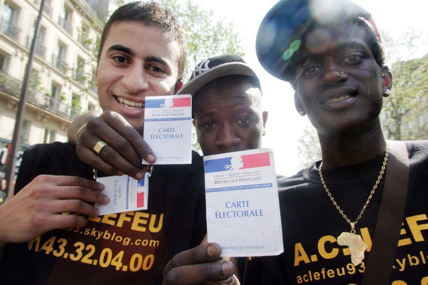 """Clichy-sous-Bois, lors d'une manifestation du collectif A.C. LE FEU pour les """"oubliés de la République"""" en 2007"""