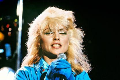 Debbie Harry de Blondie photographiée en studios à Londres, le 8 mars 1978