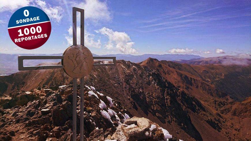 La nouvelle croix catholique installée en 2015 par des militaires au sommet du Carlit.