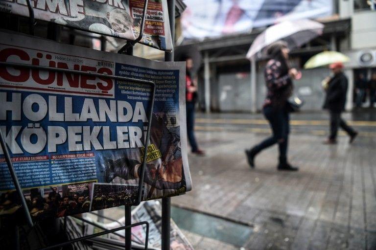 """Les Pays-Bas traités de """"chiens"""" à la une de ce journal turc"""