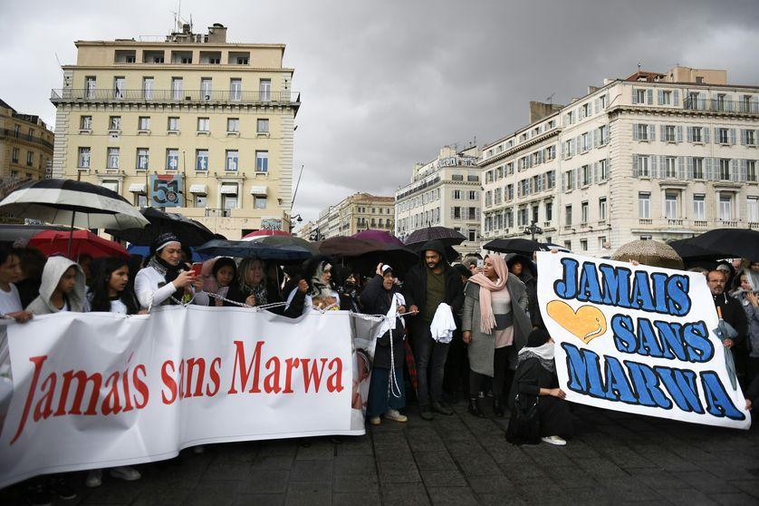 A Marseille, des manifestants rassemblés en soutien aux parents de Marwa, une enfant de 15 mois hospitalisée depuis le mois de septembre